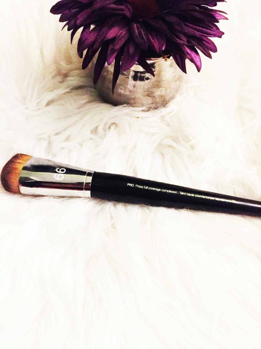 Best Foundation Brush for Flawless Skin